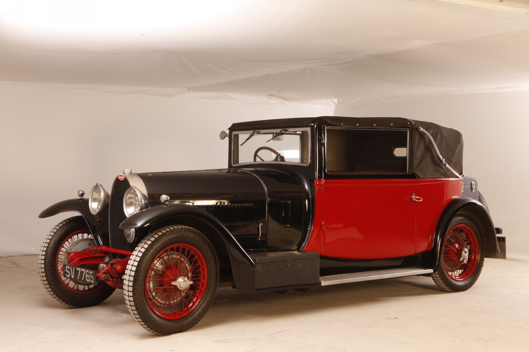 bugatti type 44 drophead coupe hellenic motor museum. Black Bedroom Furniture Sets. Home Design Ideas